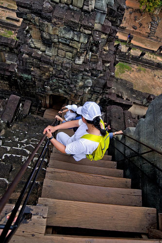 Kambodscha: Angkor Wat (Hoch hinauf, steil herunter)