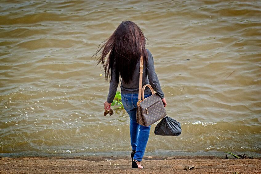 Kambodscha: Die Vogelfrau